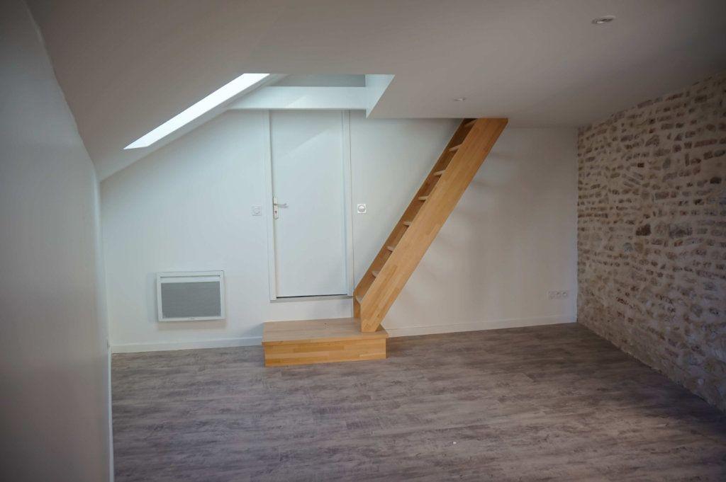 Appartement à louer 2 32m2 à Lorris vignette-3