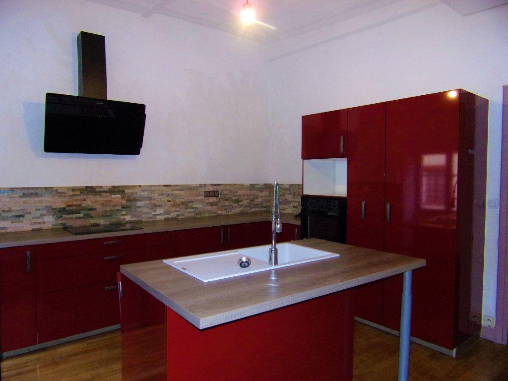 Maison à louer 4 130.2m2 à Châtillon-Coligny vignette-4