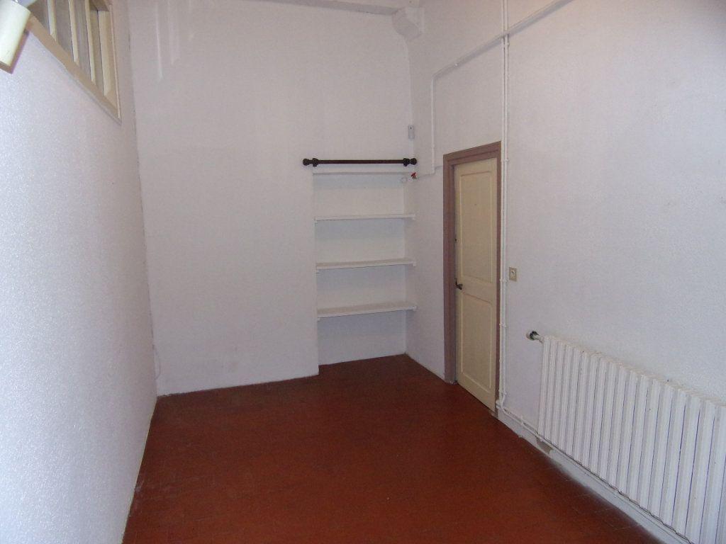 Maison à louer 4 130.2m2 à Châtillon-Coligny vignette-5
