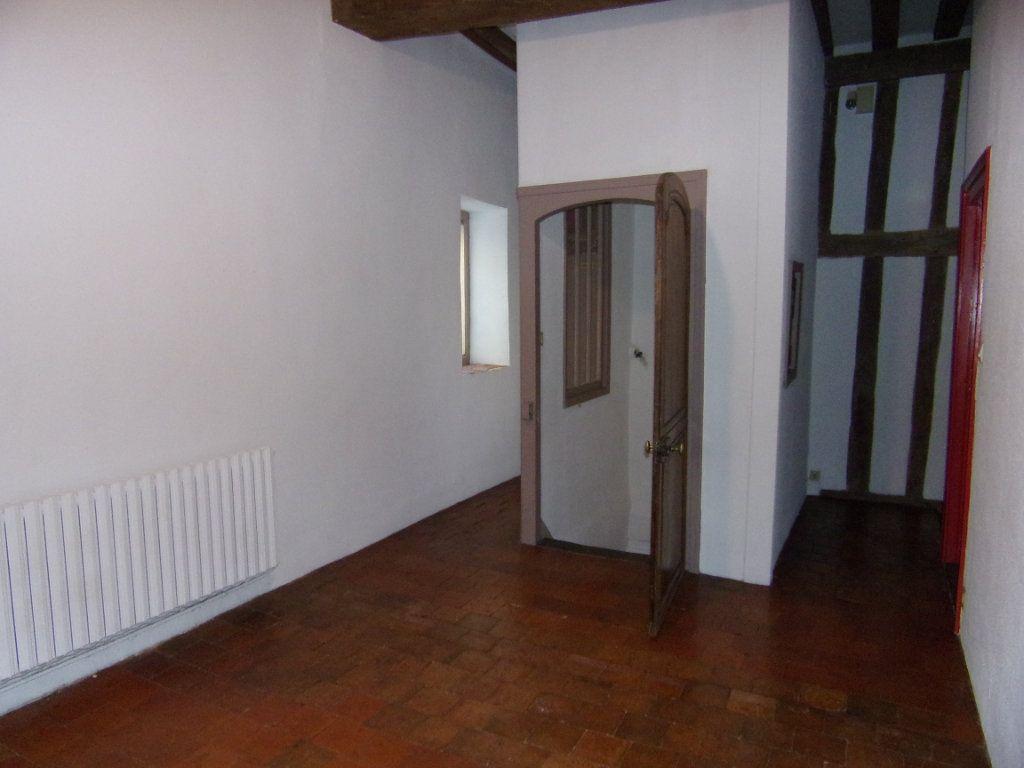 Maison à louer 4 130.2m2 à Châtillon-Coligny vignette-6