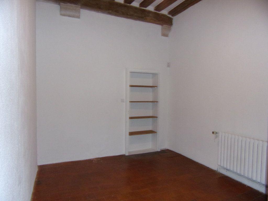 Maison à louer 4 130.2m2 à Châtillon-Coligny vignette-7