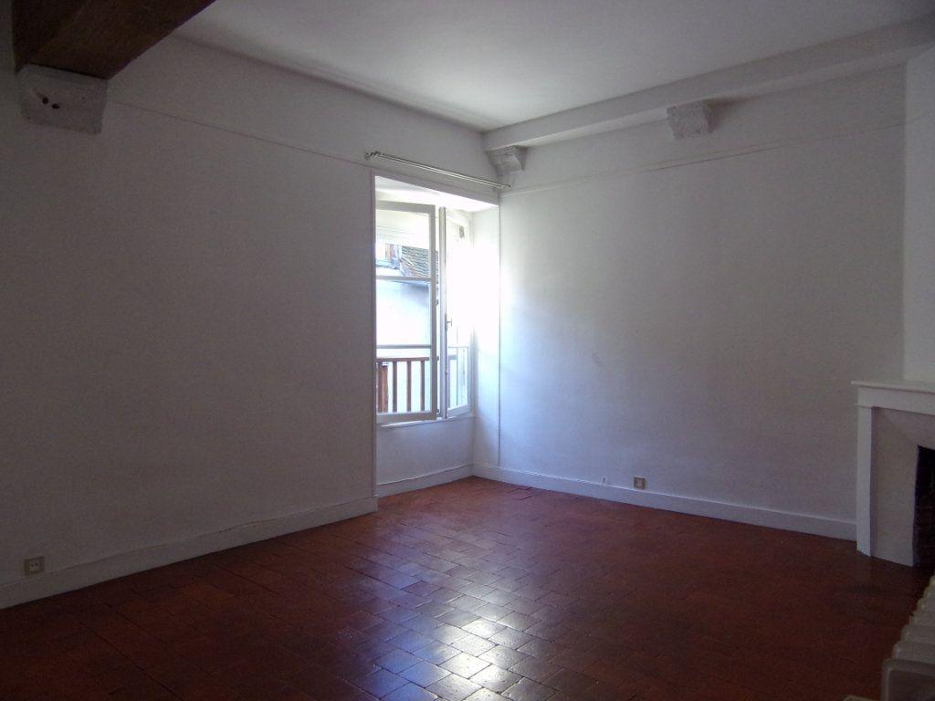 Maison à louer 4 130.2m2 à Châtillon-Coligny vignette-8