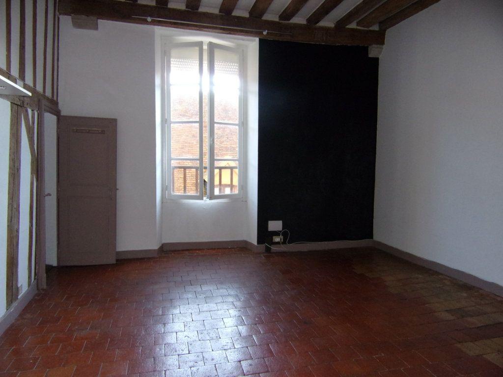 Maison à louer 4 130.2m2 à Châtillon-Coligny vignette-10
