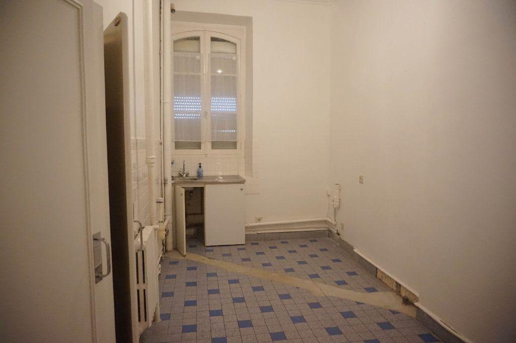 Maison à louer 4 130.2m2 à Châtillon-Coligny vignette-13