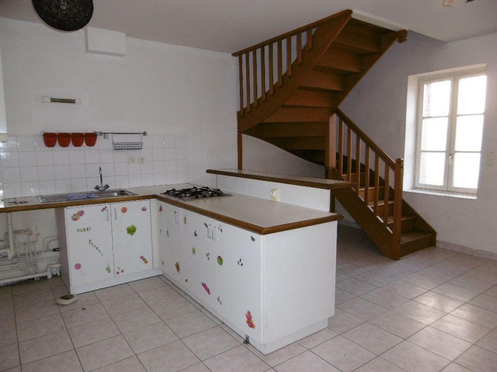 Appartement à louer 3 43m2 à Sully-sur-Loire vignette-1