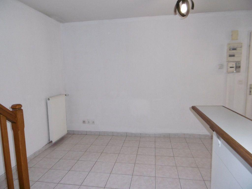 Appartement à louer 3 43m2 à Sully-sur-Loire vignette-4