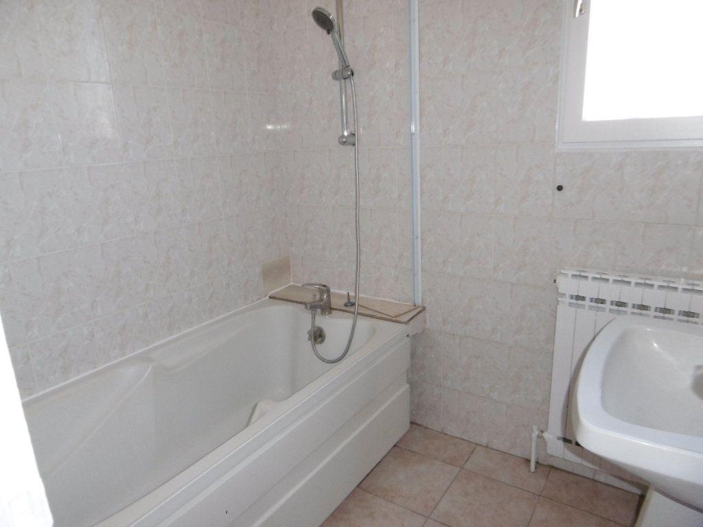 Maison à louer 5 86.58m2 à Bray-en-Val vignette-6