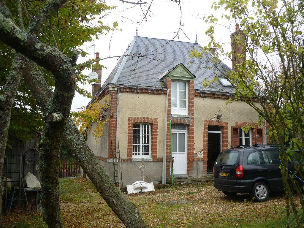 Maison à vendre 3 56m2 à Varennes-Changy vignette-1