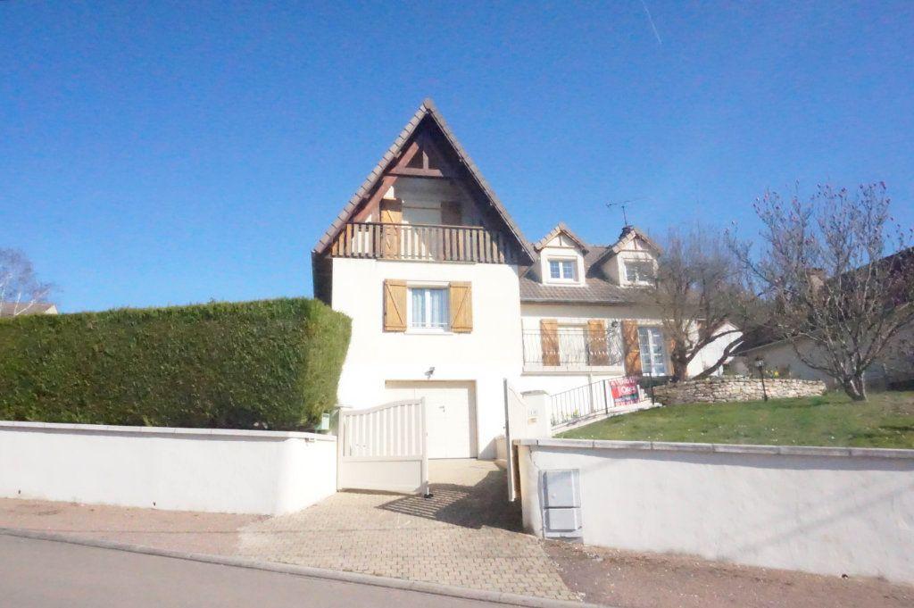 Maison à vendre 8 193m2 à Rogny-les-Sept-Écluses vignette-1
