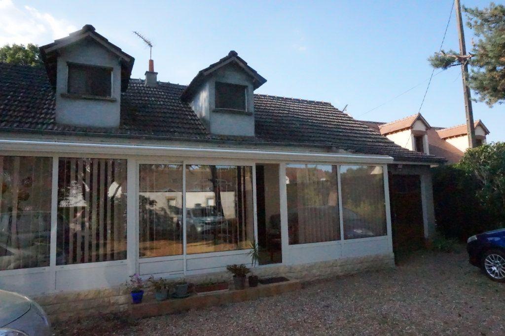 Maison à vendre 5 105m2 à Les Bordes vignette-4