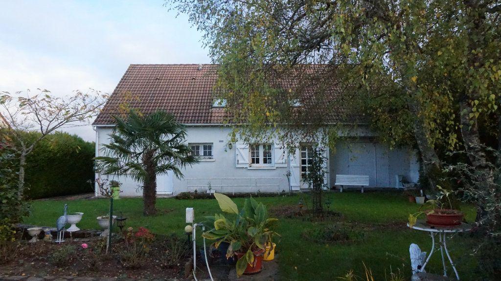Maison à vendre 6 180m2 à Quiers-sur-Bézonde vignette-1