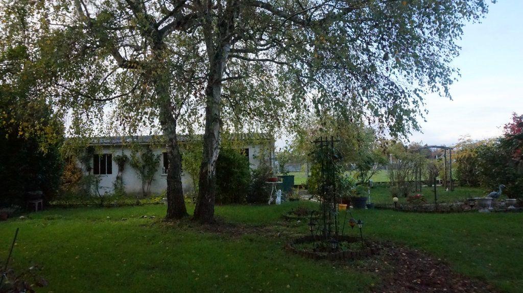 Maison à vendre 6 180m2 à Quiers-sur-Bézonde vignette-2