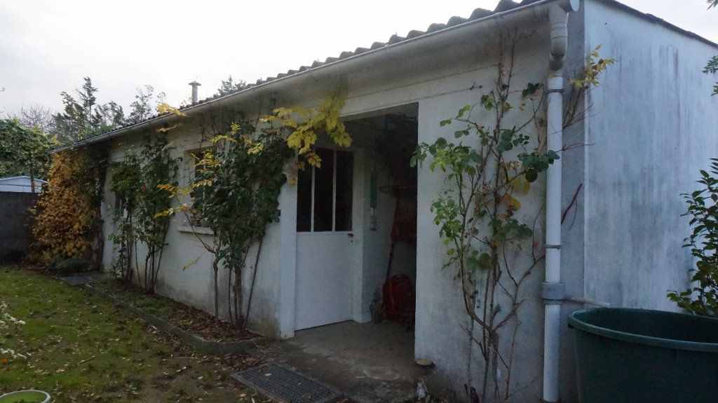 Maison à vendre 6 180m2 à Quiers-sur-Bézonde vignette-3
