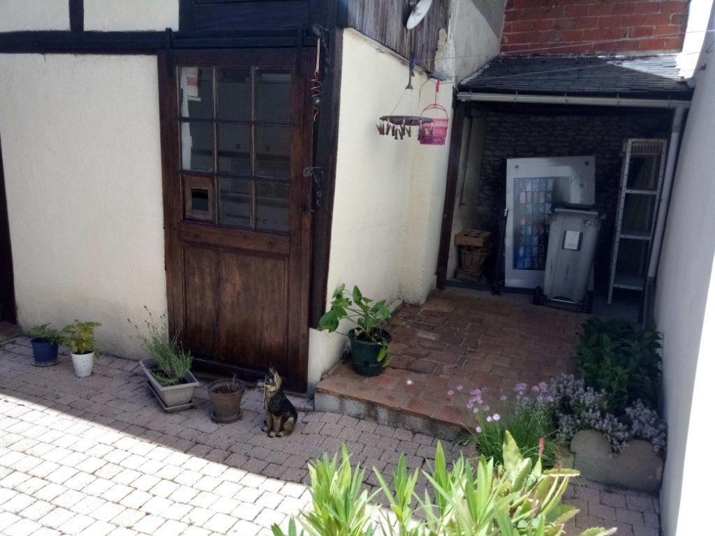 Maison à vendre 5 106.73m2 à Ladon vignette-11