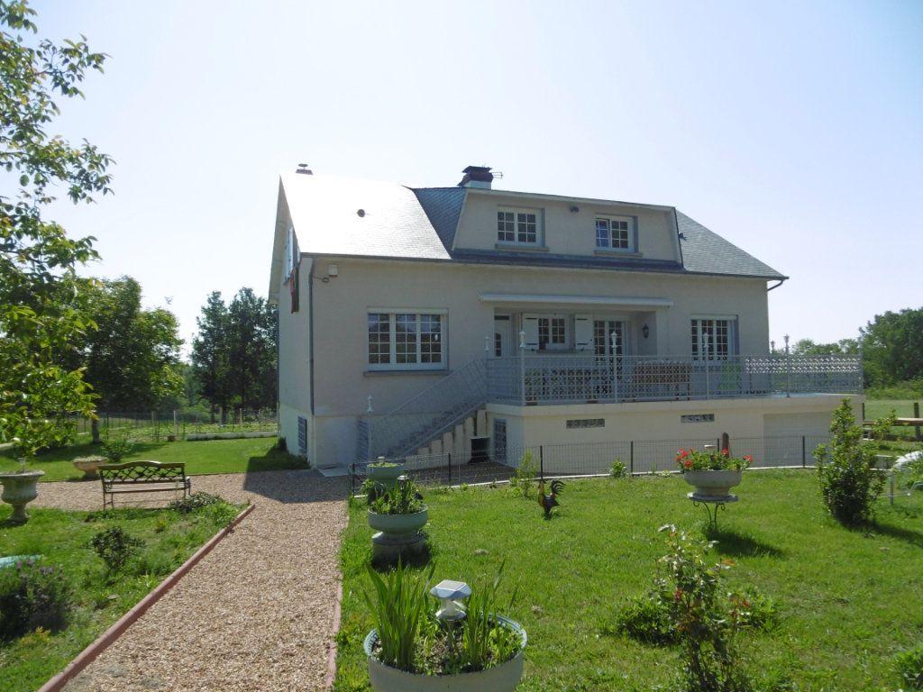 Maison à vendre 8 235.36m2 à Montbouy vignette-1