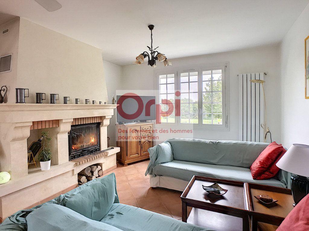 Maison à vendre 8 235.36m2 à Montbouy vignette-2