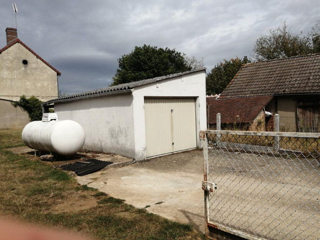 Maison à vendre 3 91m2 à Saint-Maurice-sur-Aveyron vignette-9