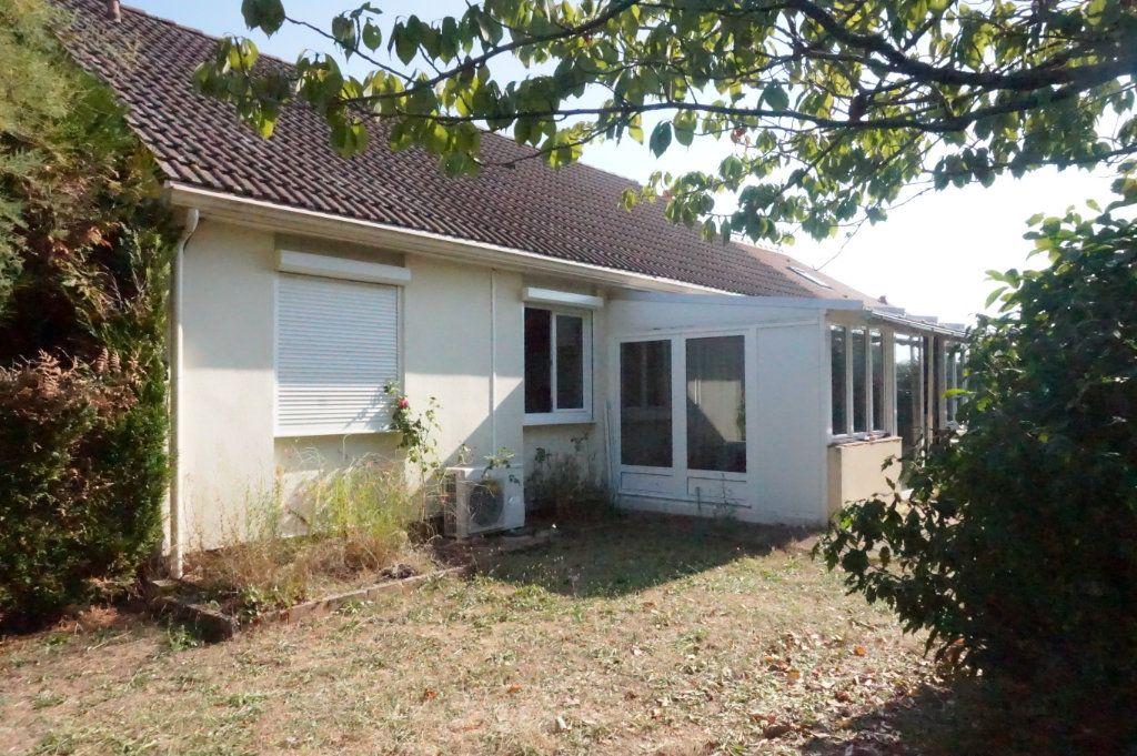 Maison à vendre 4 107m2 à Saint-Aignan-le-Jaillard vignette-1
