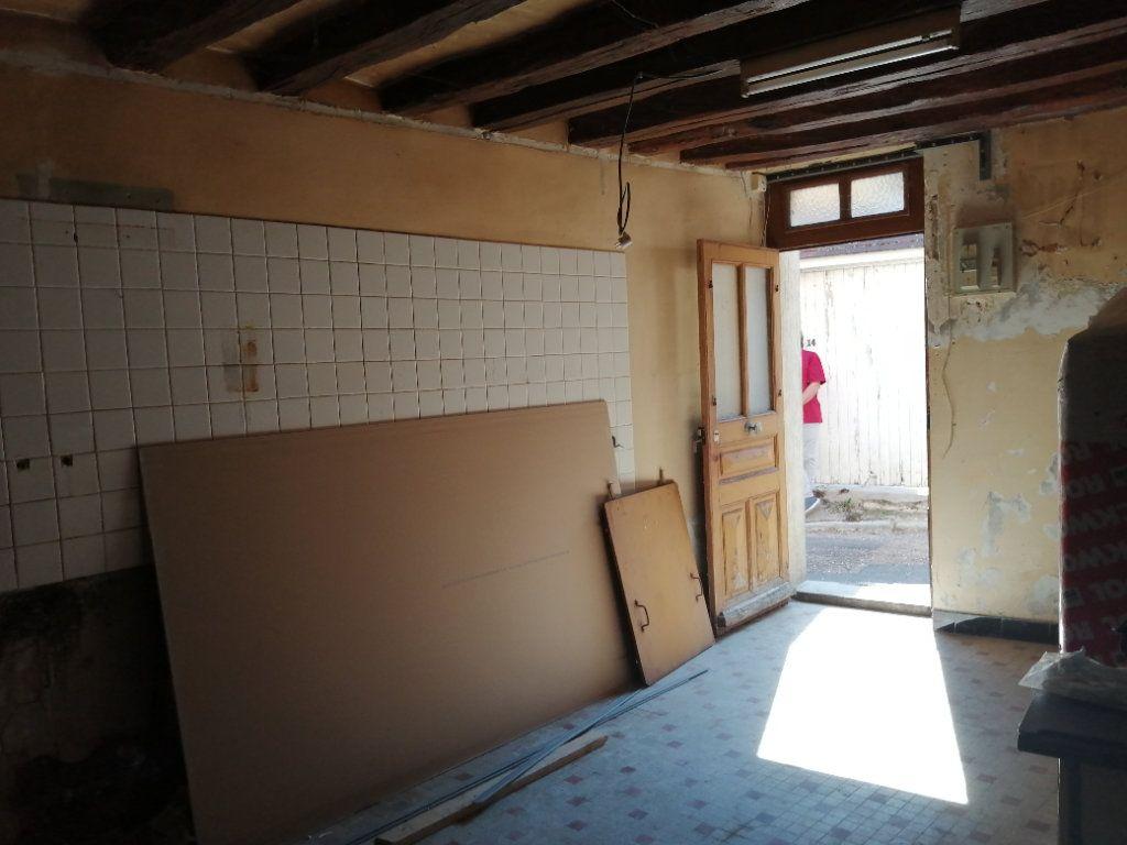 Maison à vendre 3 65m2 à Châtillon-Coligny vignette-3
