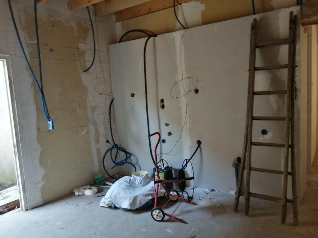 Maison à vendre 3 65m2 à Châtillon-Coligny vignette-5