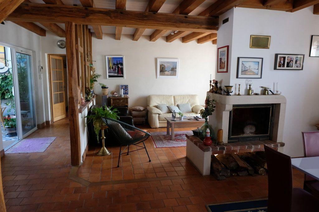 Maison à vendre 7 207.48m2 à Les Bordes vignette-2