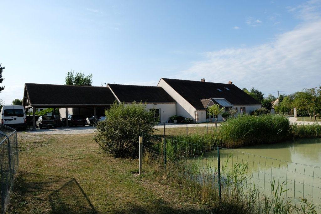 Maison à vendre 7 207.48m2 à Les Bordes vignette-5