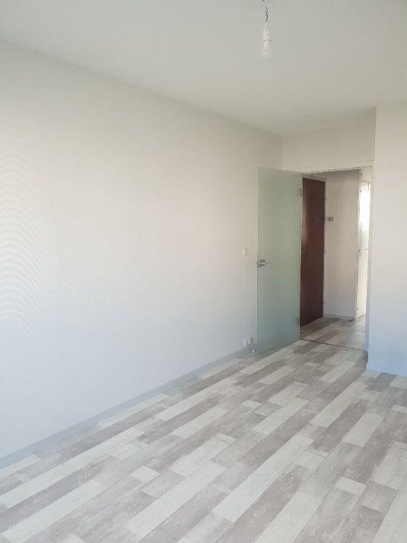 Appartement à louer 1 29m2 à Gien vignette-3
