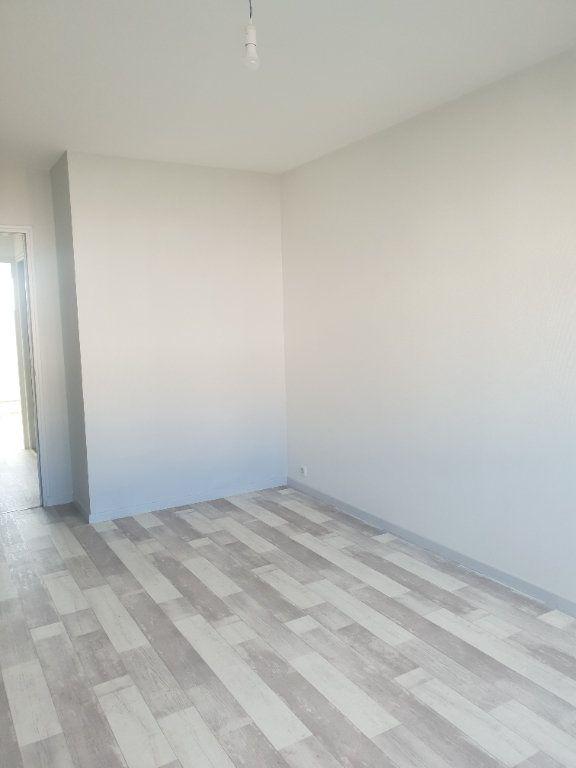 Appartement à louer 1 29m2 à Gien vignette-6