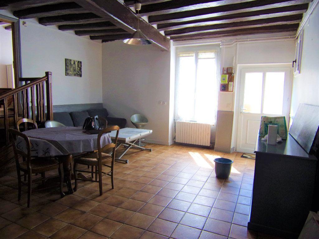 Maison à louer 4 90m2 à Châtillon-Coligny vignette-1