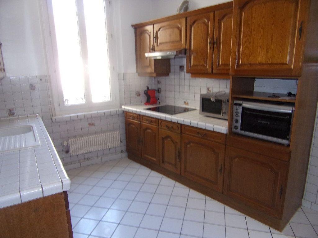 Maison à louer 4 90m2 à Châtillon-Coligny vignette-2