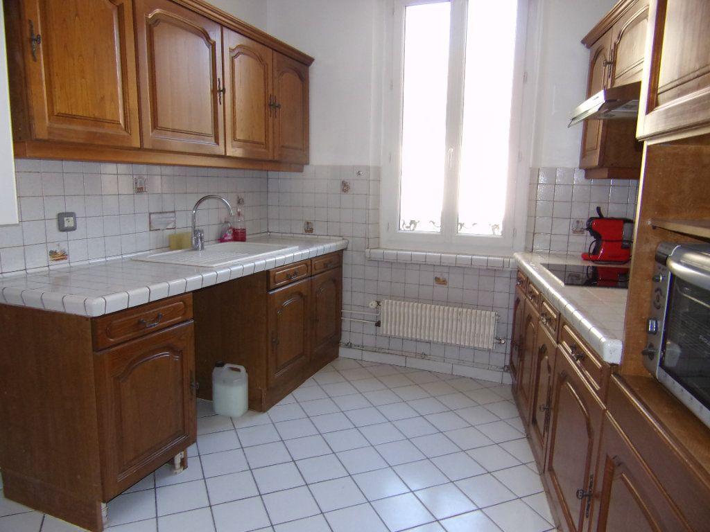 Maison à louer 4 90m2 à Châtillon-Coligny vignette-3