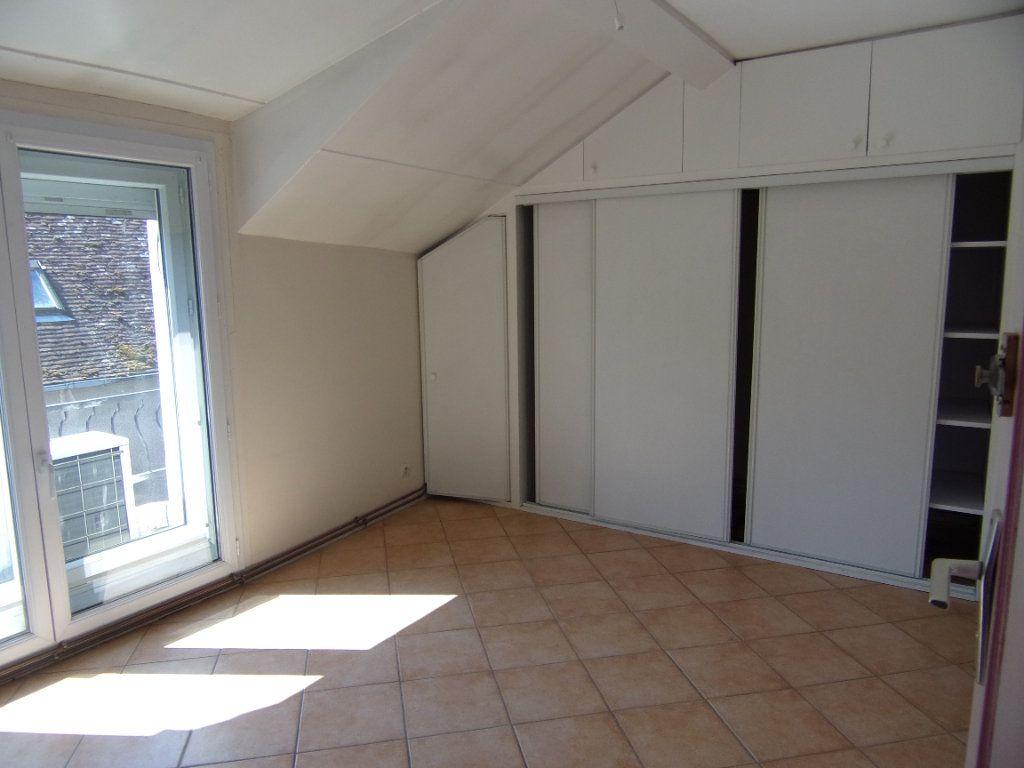 Maison à louer 4 90m2 à Châtillon-Coligny vignette-6