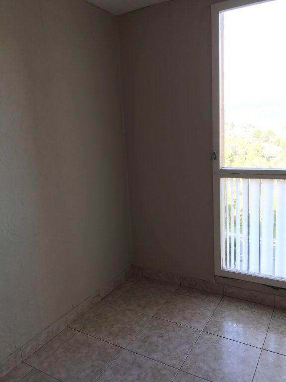 Appartement à louer 4 67m2 à Carros vignette-6