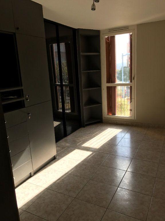 Appartement à louer 4 67m2 à Carros vignette-11