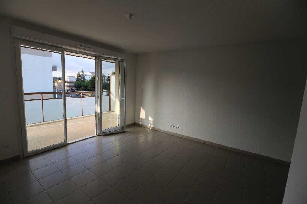Appartement à louer 2 41m2 à Carros vignette-4