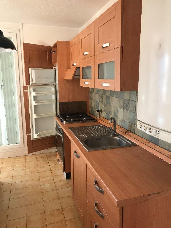 Appartement à louer 3 59.28m2 à Carros vignette-1