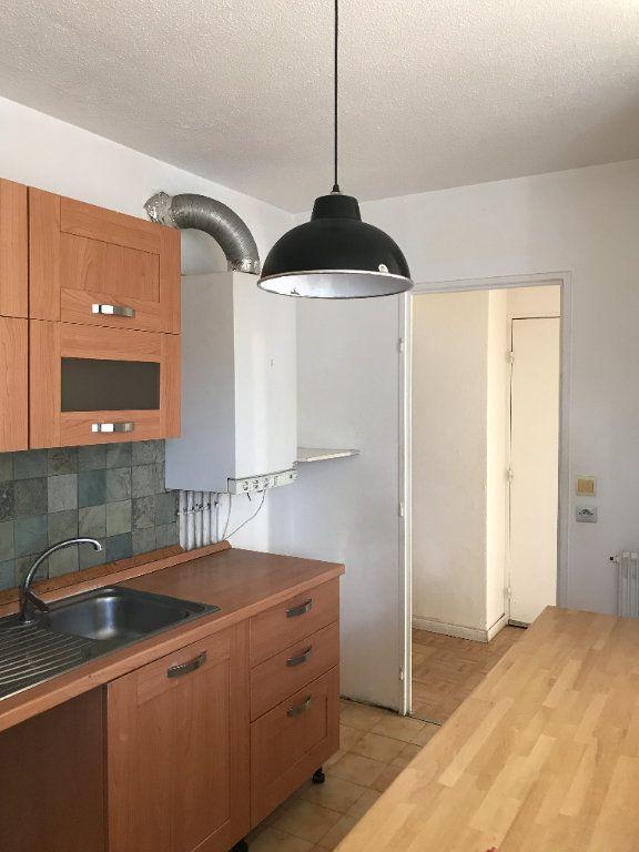 Appartement à louer 3 59.28m2 à Carros vignette-2