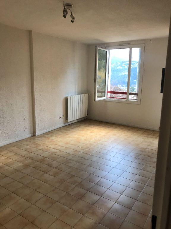 Appartement à louer 3 59.28m2 à Carros vignette-6