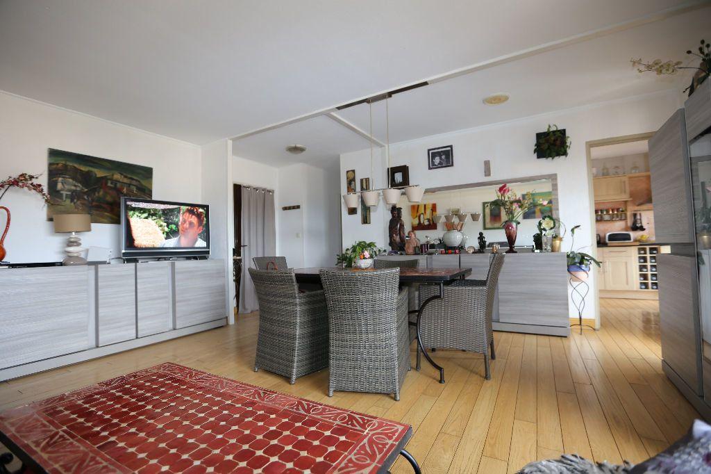 Appartement à vendre 4 85.98m2 à Carros vignette-1