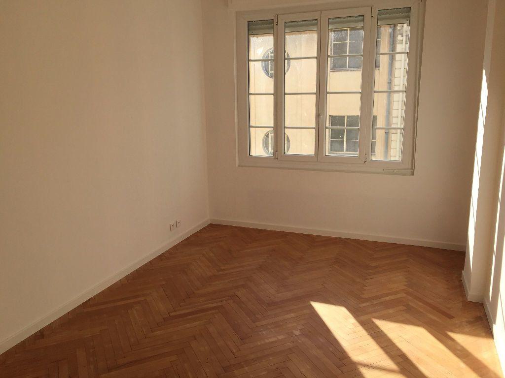 Appartement à louer 2 43.53m2 à Nice vignette-1