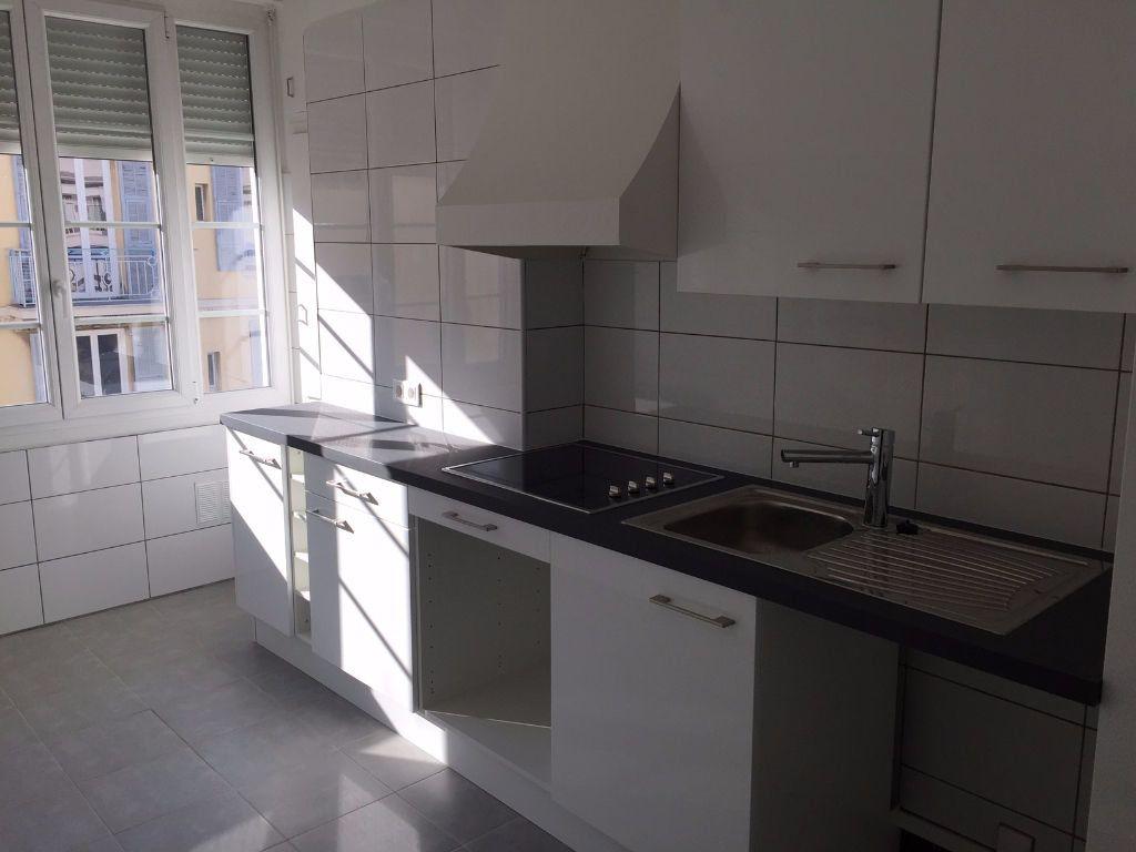 Appartement à louer 2 43.53m2 à Nice vignette-3