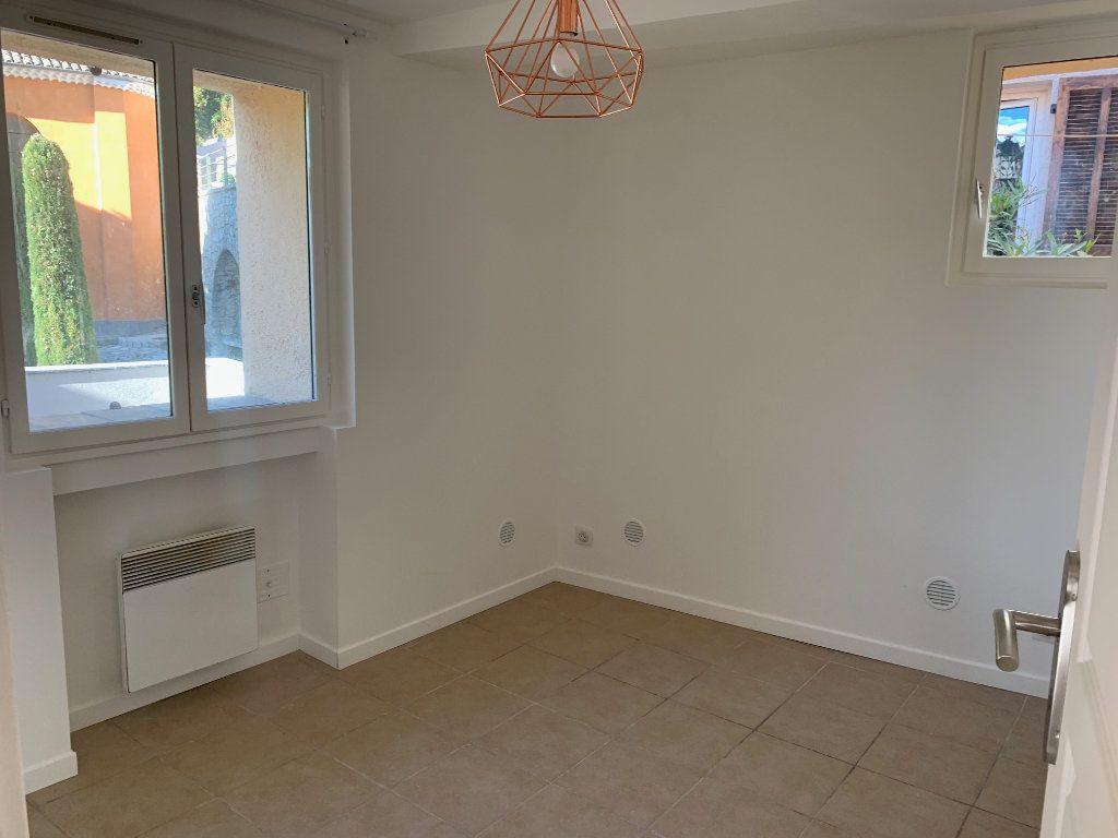 Appartement à louer 2 23.77m2 à Gilette vignette-8