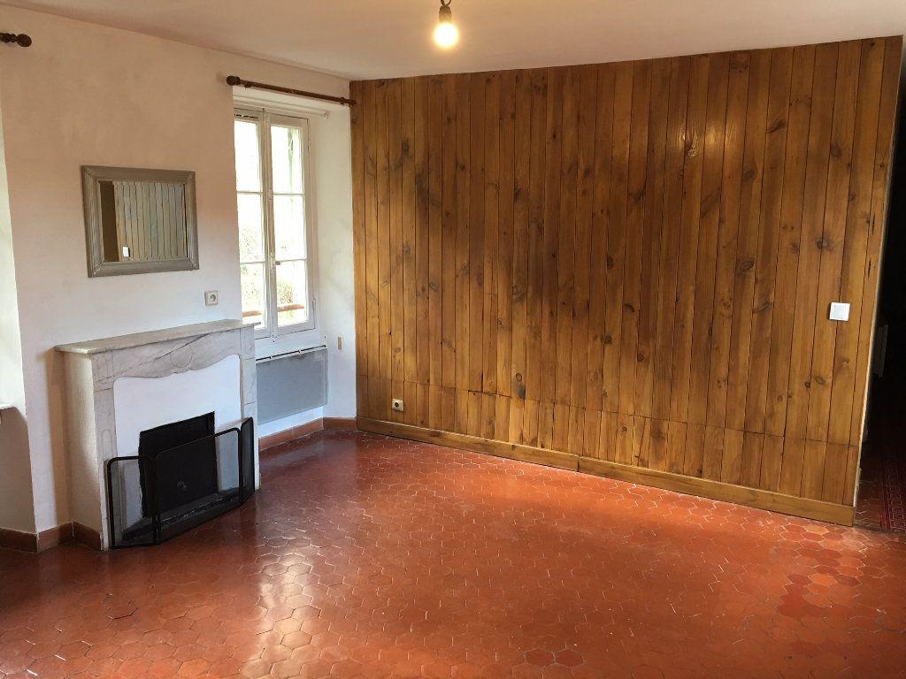 Appartement à louer 3 53.29m2 à Gilette vignette-1