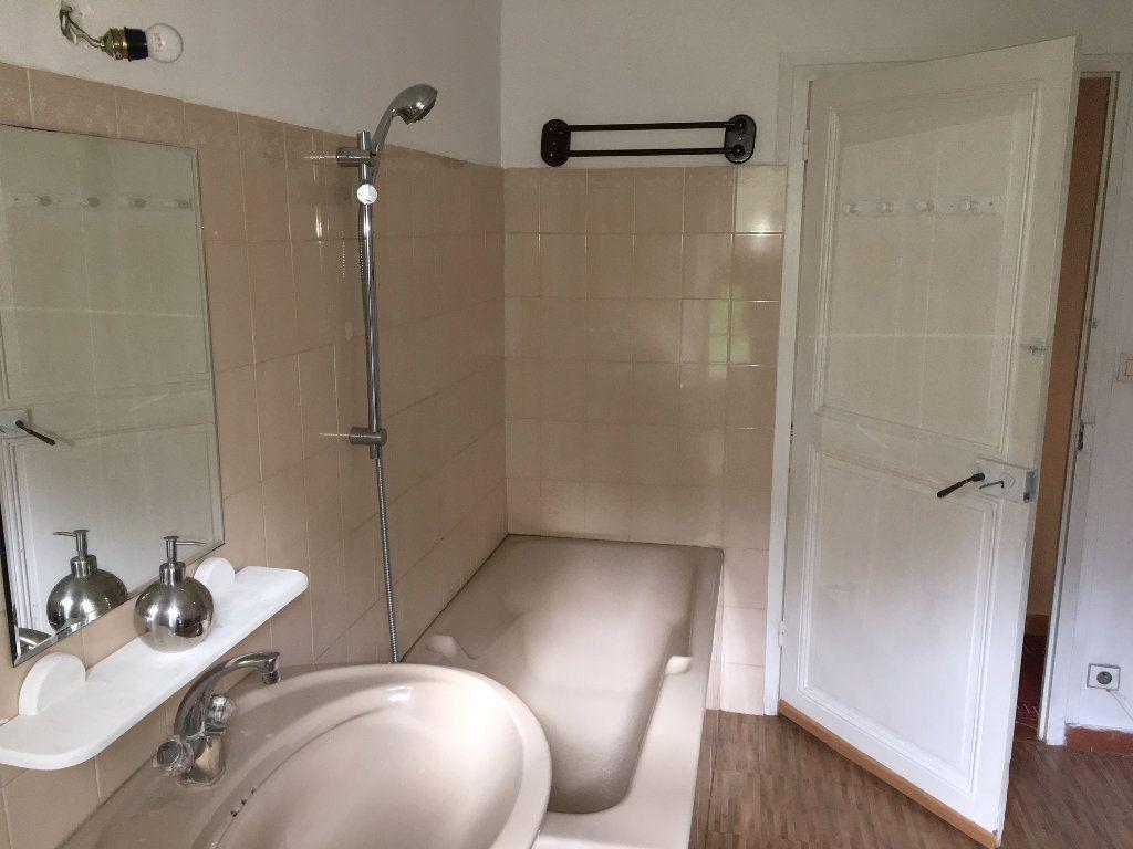 Appartement à louer 3 53.29m2 à Gilette vignette-4