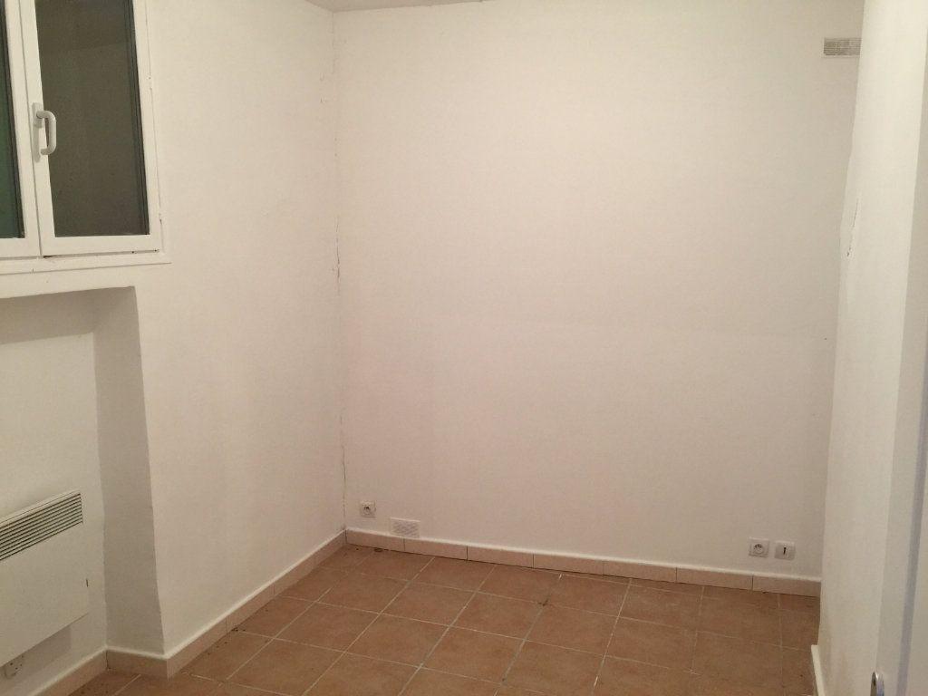 Appartement à louer 2 30.35m2 à Gilette vignette-5