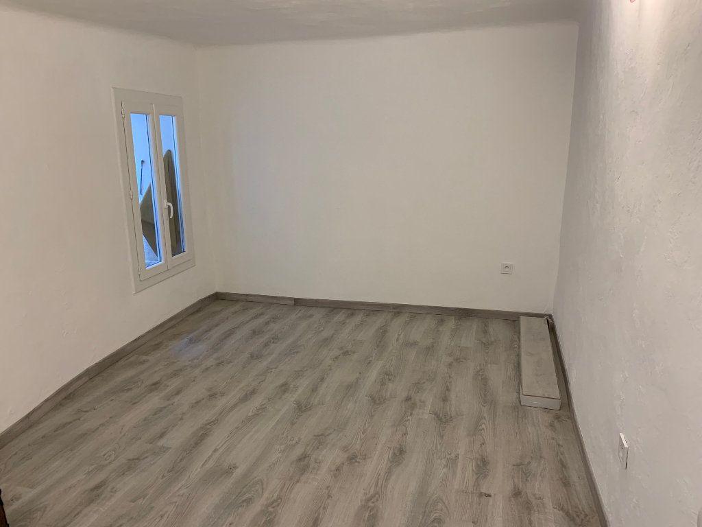 Appartement à vendre 2 69m2 à Gattières vignette-8