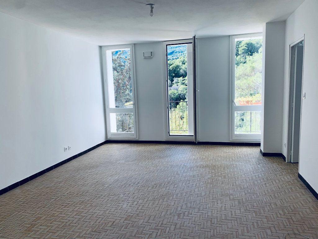 Appartement à louer 4 80.76m2 à Carros vignette-1