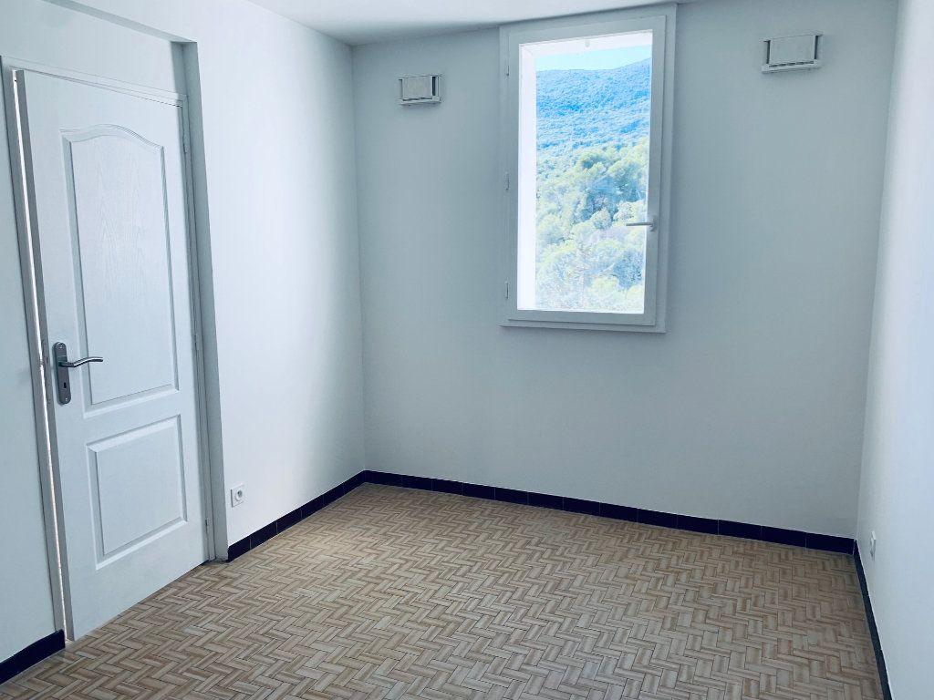 Appartement à louer 4 80.76m2 à Carros vignette-3