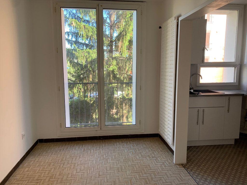 Appartement à louer 4 80.76m2 à Carros vignette-5