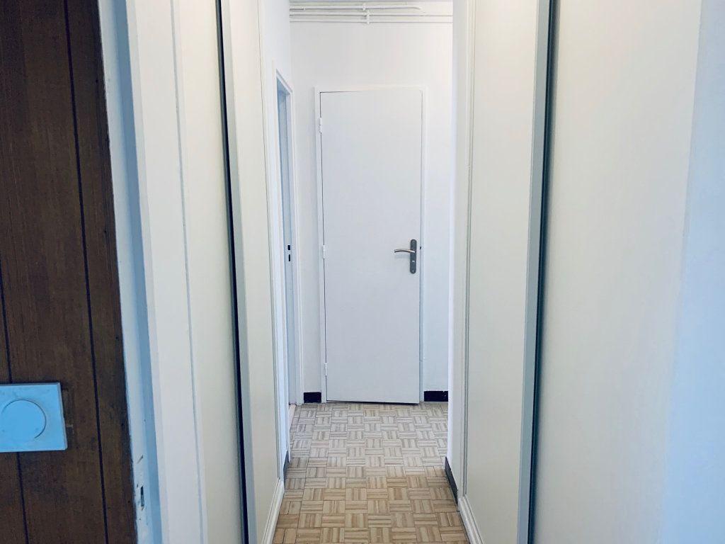 Appartement à louer 4 80.76m2 à Carros vignette-6